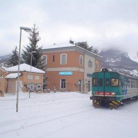 """Ferrovie abruzzesi: 140 pagine di """"libro nero"""" e una sola buona notizia"""
