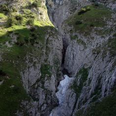 Canyon di Valle Caprara, Majella, i nevai incasotnati