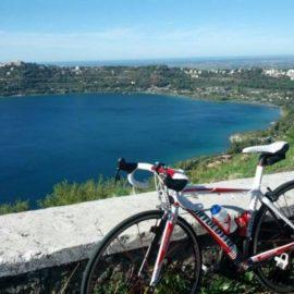 In bici tra i colli Albani: la Gran Fondo Campagnolo tra le strade anti-ciclisti dei castelli romani